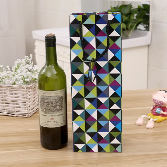 classical Europe gift new design red wine paper bag with tag
